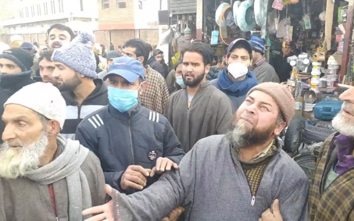 Families of trio killed in Srinagar 'gunfight' protest, say they were innocent