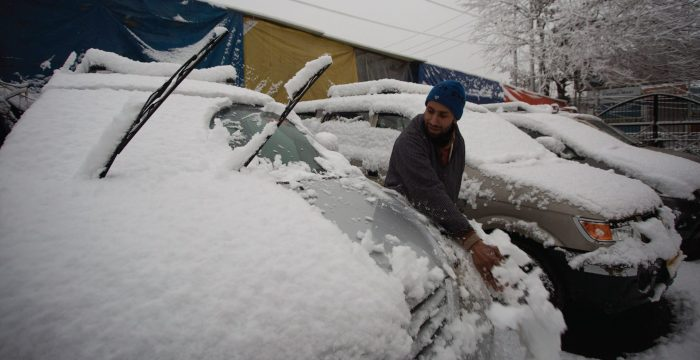 Shopian officials seek panel to solve problem of snow sliding down roofs