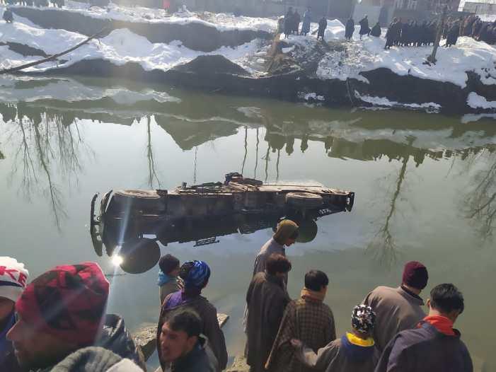 Duo injured in north Kashmir mishap