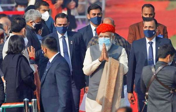 PM Modi dons special turban from Jamnagar at 72nd Republic Day