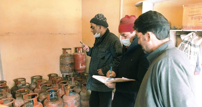 12 illegally operating LPG outlets sealed in Pampore