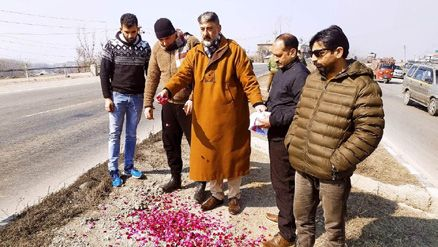 Lethpora suicide attack anniversary: BJP's Yaqoob visits Lethpora, pays floral tributes