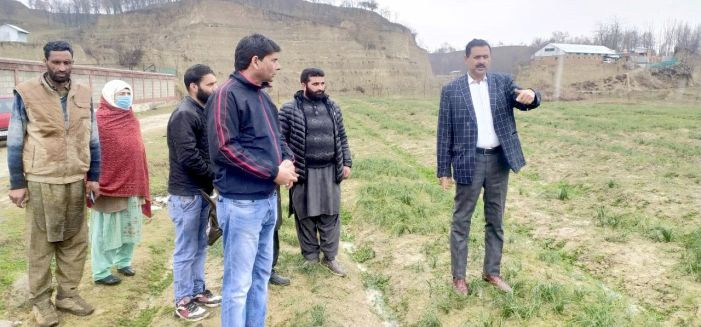 Director Tribal Affairs visits Pampore, identifies land for Gujjar Bakerwal student hostels
