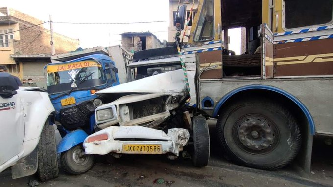 Two killed, 4 injured as truck hits nearly dozen vehicles in Jammu after brake failure