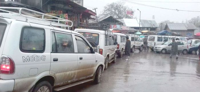 Journey to Srinagar gets longer as passenger vehicles diverted through Lasjan