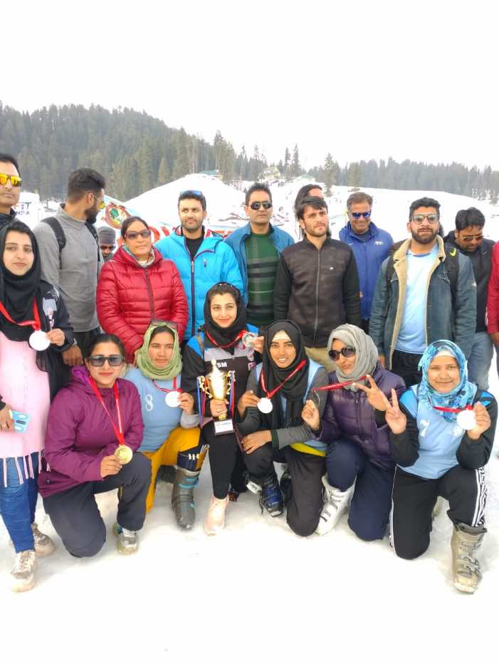 KU's skiing championship, snow festival conclude at Gulmarg