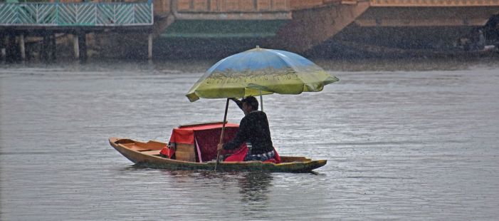 Inclement weather in Kashmir to continue today