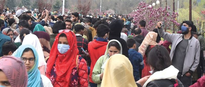 Close to 4k active cases in J&K with 573 new ones