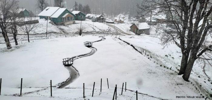 Rains, snow in Valley bring mercury down