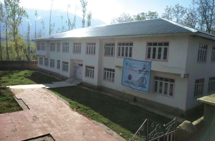 As landowners demand govt jobs for children, PHC stuck in limbo in Khansahib