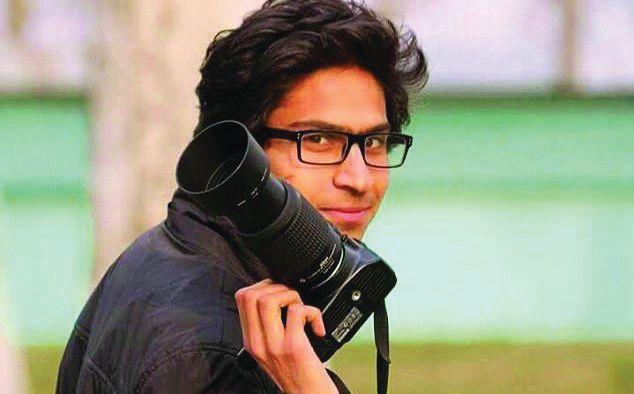 Cops assault photojournalist in Srinagar, KPC condemns attack