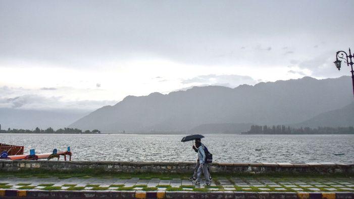 Heavy rains, hailstorm wreak havoc on standing crops in north Kashmir