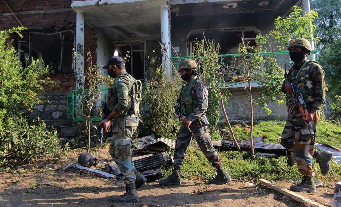 Militant caught by forces killed alongside associate in Srinagar gunfight