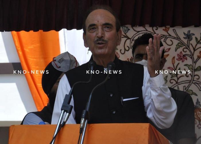 Don't want Pondicherry, Delhi like Govt in J&K:Azad