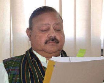 Sultan Mahmood takes oath as president of PaK