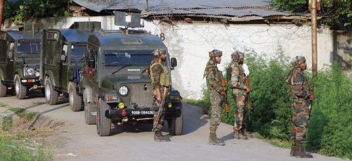 Cop, labourer shot dead in Kulgam