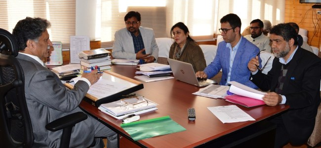 Advisor Ganai stresses on training programmes to enhance research skills
