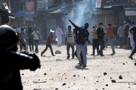 Clashes amid CASO in Arwani Bijbehara