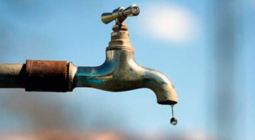 Acute water scarcity hits Sopore village, residents protest