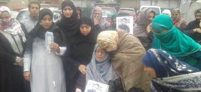 Family of Ahtisham Bilal seek his whereabouts, protest at press enclave