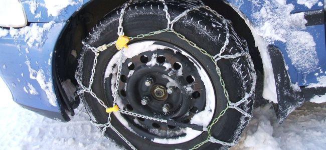 Wear tyre chain kits between Tangmar-Gulmar: SDM Gulmarg issued advisory