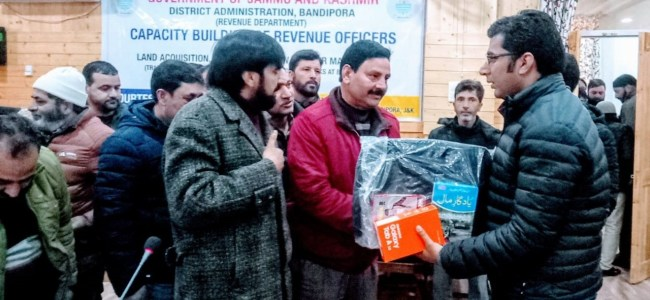 Patwaris in Bandipora get 'android app'