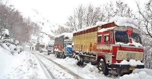 Traffic suspended on Jammu-Srinagar NH after snowfall