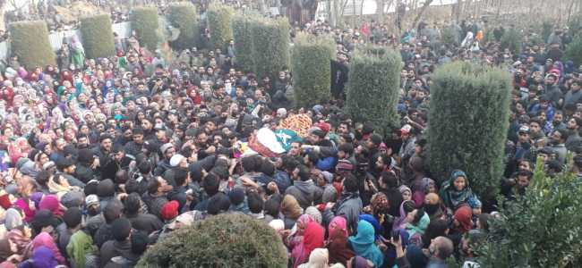 Thousand attend funeral of slain militants in Sopore