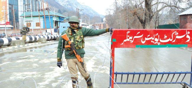 Kashmir garrisoned on R-day eve