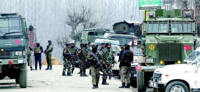 Forces lay siege over Poshker Budgam, launch searches