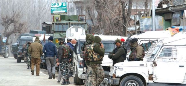 Hostage crisis in Hajin gunfight, one rescued, efforts on to evacuate other says Police