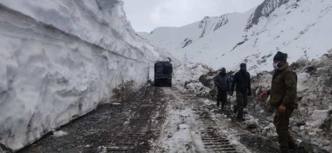 Srinagar-Leh highway likely to be cleared of snow next week: Officials