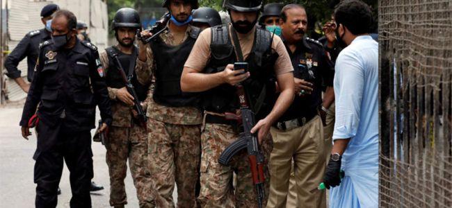 Militants ambush oil convey in Pakistan, kill 14 people