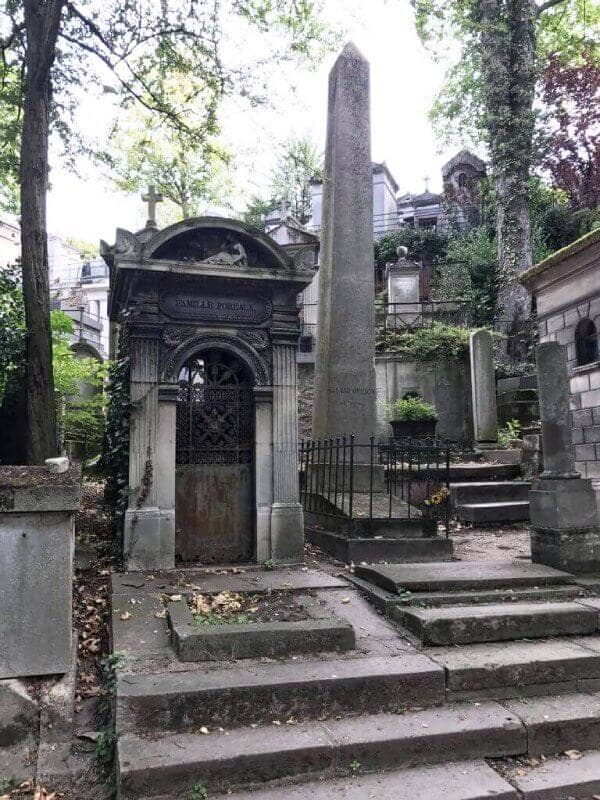 old tombs at Pere Lachaise