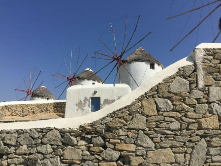 Mykonos or Santorini? What you need to know | kasiawrites