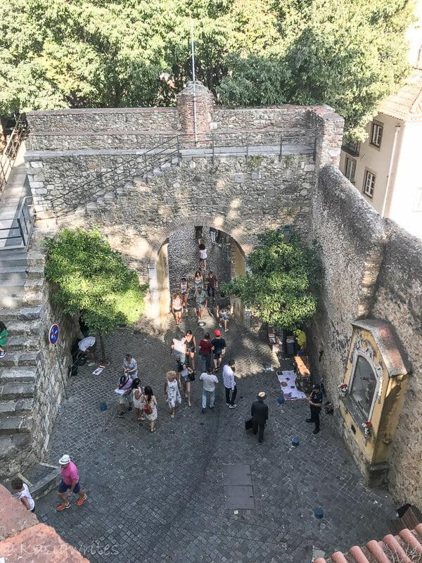 entrance gate to Castelo de sao Jorge in Lisbon
