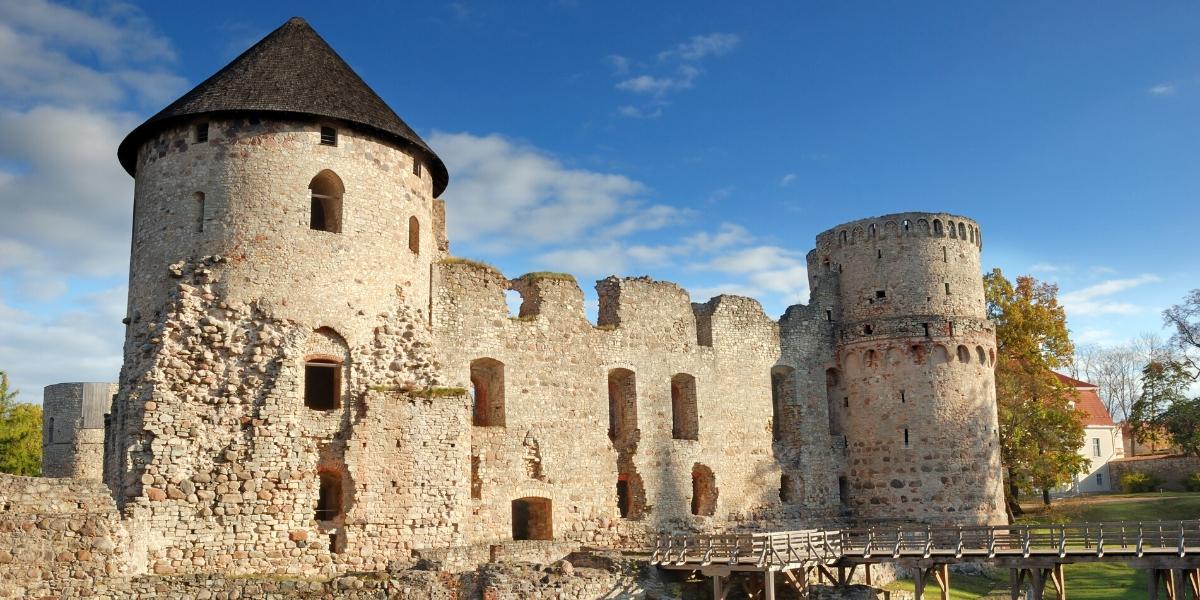 Exploring Cesis - view of the Cesis castle ruins
