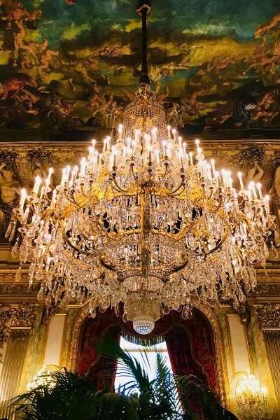 chandelier in Louvre museum