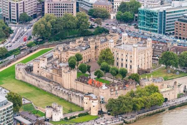 The fascinating Beefeater Tower of London tour experience   kasiawrites cultural travel