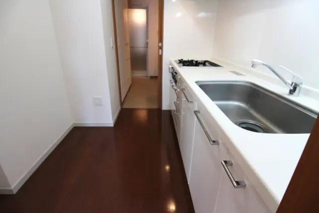 キッチンの床のリフォーム価格はどれくらい?