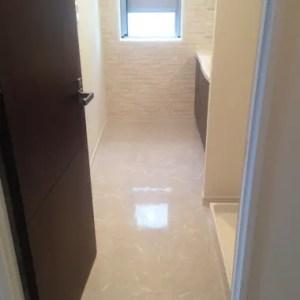タイル状の床材