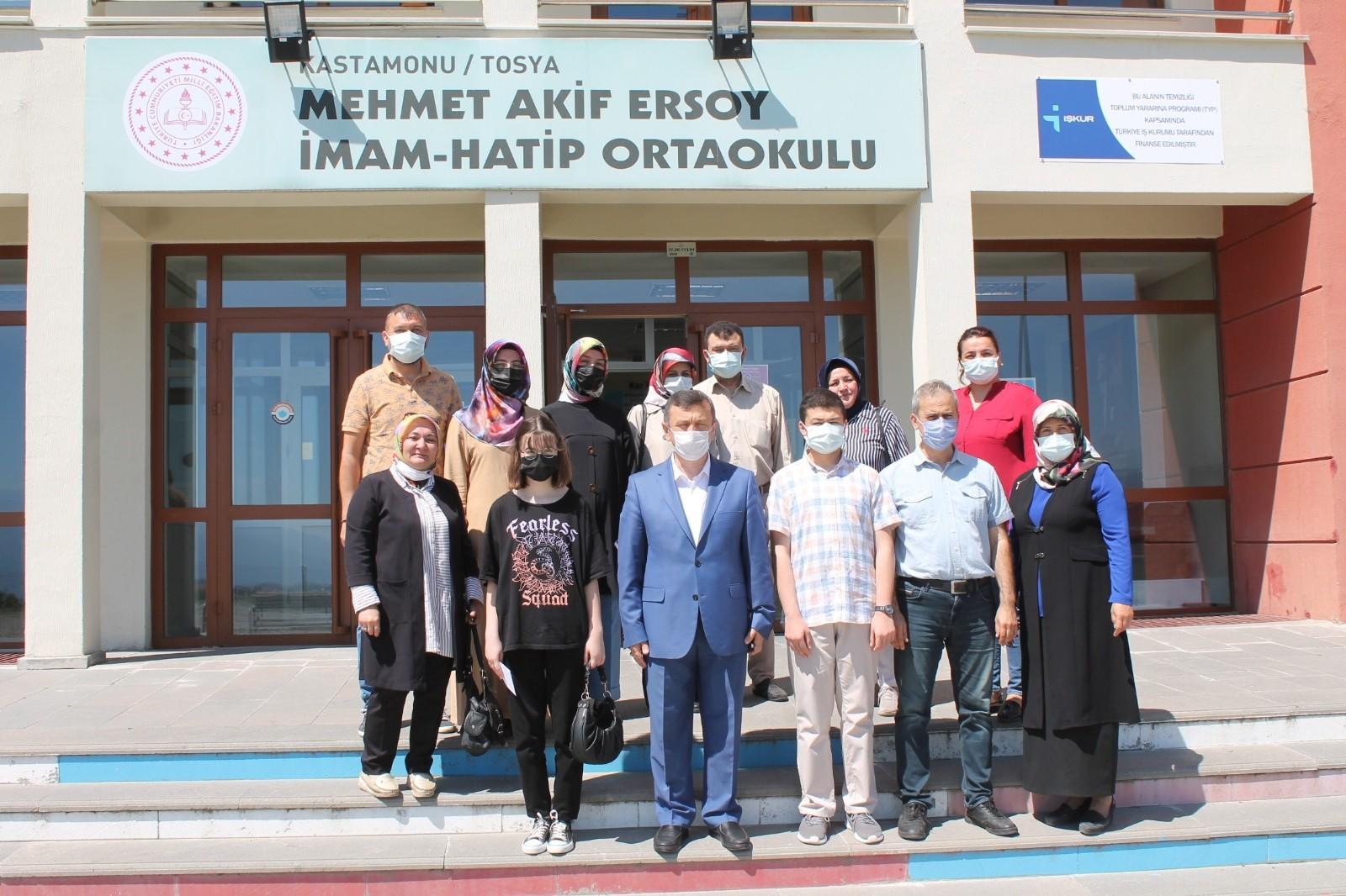 LGS ilçe 1 ve 2'ncisi Tosya Mehmet Akif Ersoy İHO'dan
