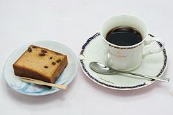 コーヒーとパウンドケーキ