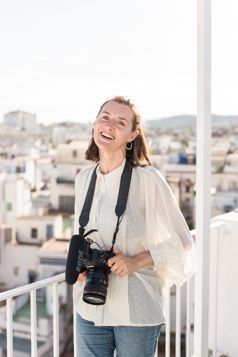 Maria, videógrafa de bodas I fotografía de marca personal en Sitges