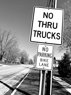 bw truck sign