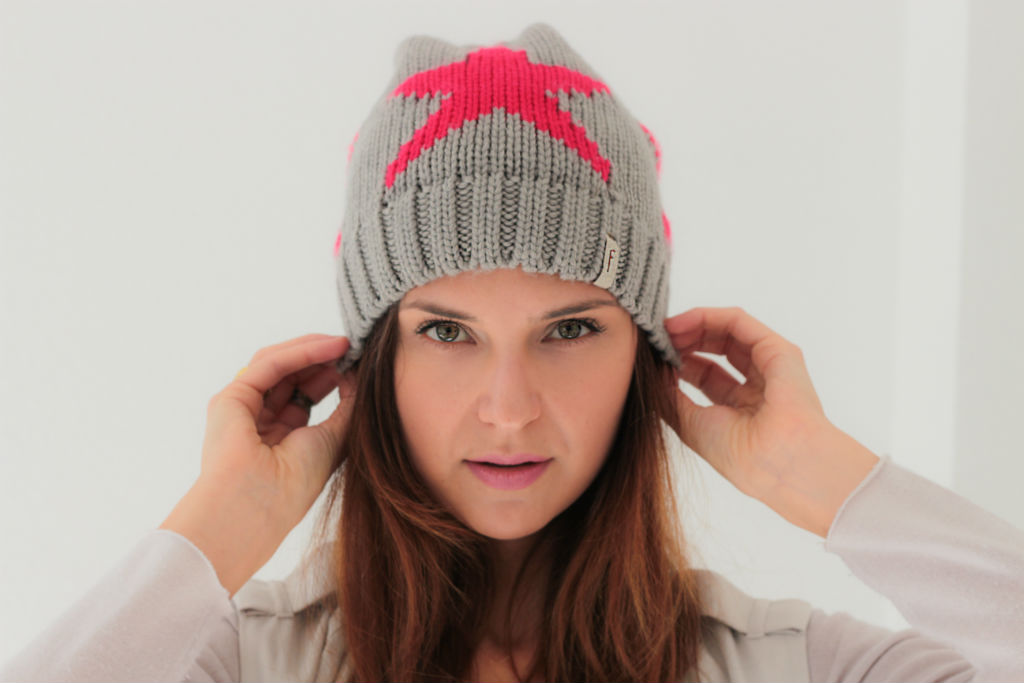 Freakyheads_winter_beanies_katcherry_02