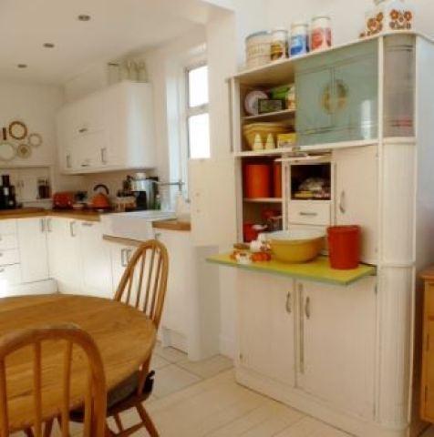 vintage free standing kitchen by Kate Beavis