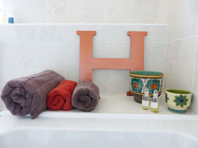 Mid century bathroom by Kate Beavis Vintage Home