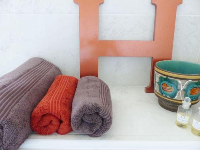 Mid century bathroom by Kate Beavis Vintage Home