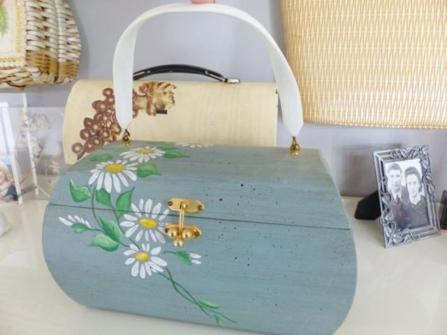 Vintage green 1960s box handbag bag as featured on Kate Beavis Vintage Home blog